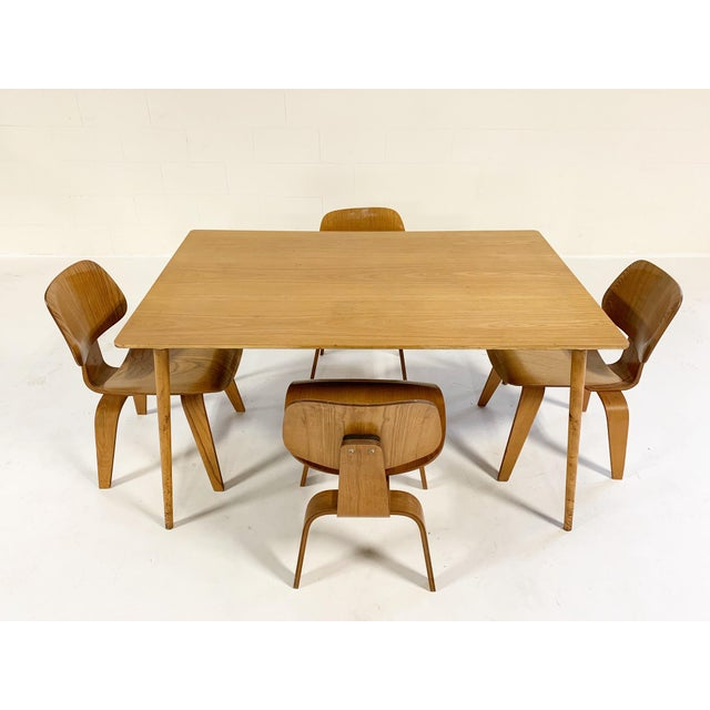 Brown 1950s Charles and Ray Eames for Herman Miller Dtw-3 Table & Dcw Dining Chairs - Set of 4 For Sale - Image 8 of 9