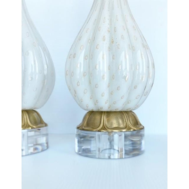 Hollywood Regency Vintage Gold and White Barbini Murano Lamp Vintage - a Pair For Sale - Image 3 of 9