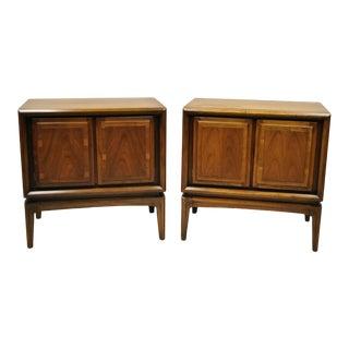 Pair of Walnut Mid Century Modern 2 Door Bedside Cabinet Nightstands by Rubins For Sale