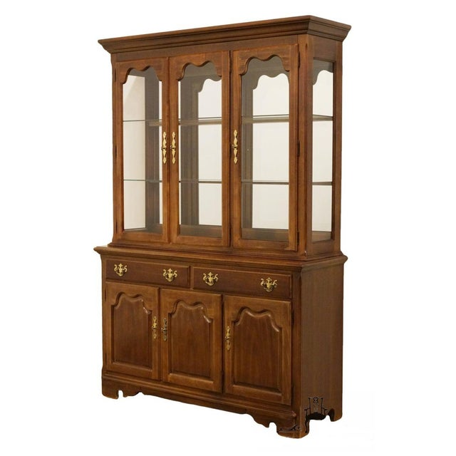 "Thomasville Furniture Winston Court Collection 56"" China Cabinet For Sale - Image 13 of 13"