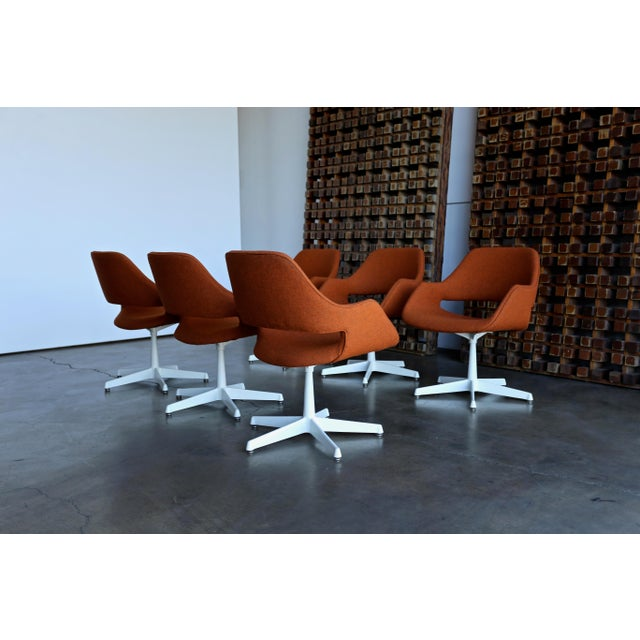 1960s Arthur Umanoff for Madison Furniture Swivel Armchairs - Set of 6 For Sale - Image 5 of 13