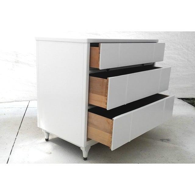 Kroehler Mid-Century White Lacquer Dresser - Image 6 of 10