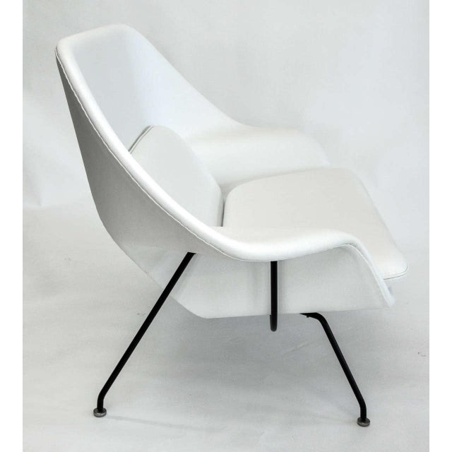 Mid-Century Modern Eero Saarinen for Knoll Womb Settee, Circa 1960's For Sale - Image 3 of 10