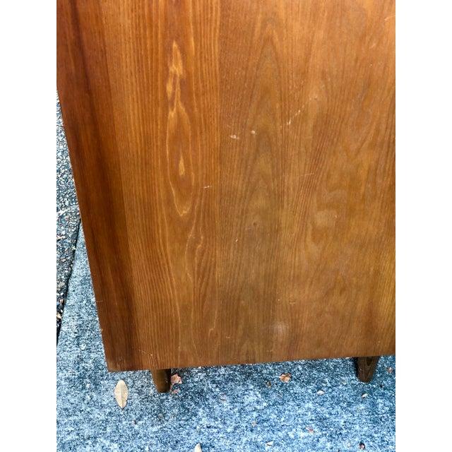 Wood 1960s Heywood Wakefield 5 Drawer Highboy For Sale - Image 7 of 11