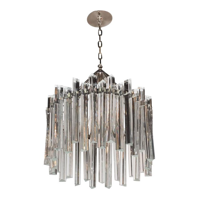 Sophisticated Mid-Century Single-Tier Stepped Triedre Chandelier by Camer For Sale
