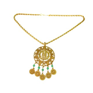 1970s Goldette Asian Theme Gilt Metal Pendant Necklace For Sale