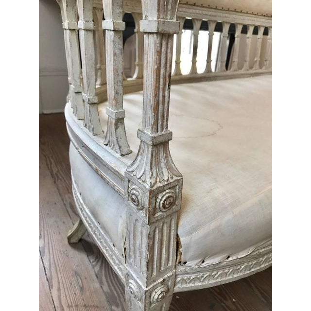 Gustavian Klismos Settee attributed Ephraim Stahl, circa 1800 For Sale In New Orleans - Image 6 of 9