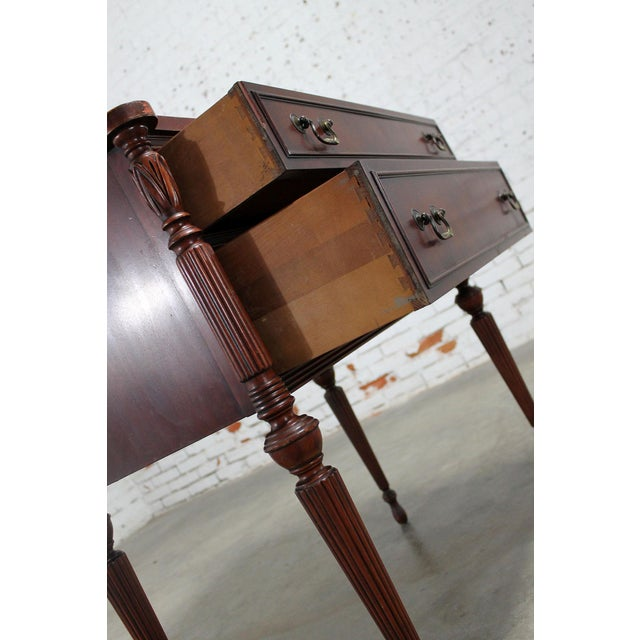 Classic Sheraton Federal Style Mahogany Server in the manor of Salem Cabinetmakers For Sale - Image 6 of 11
