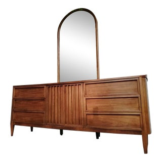 Mid-Century Modern American of Martinsville Proscenia Lowboy Dresser & Nightstand- A Pair For Sale