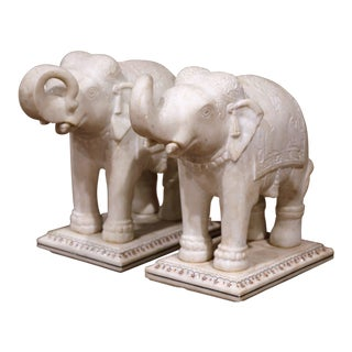 Pair of 19th Century English Marble Elephants Sculptures on Rectangular Bases For Sale