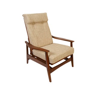 1960s Vintage Milo Baughman Style Walnut Lounge Chair For Sale