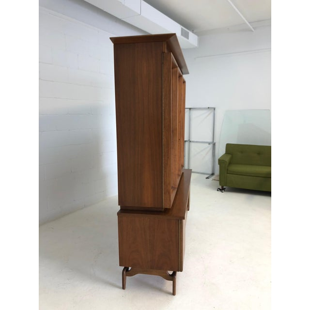 Mid Century Modern Atomic Credenza and Hutch Display For Sale - Image 9 of 11
