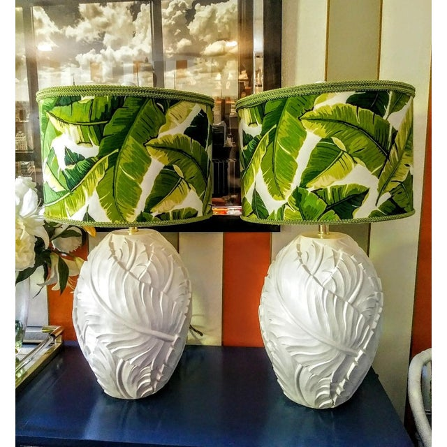 A Pair Palm Beach Regency Serge Roche Style White Gloss Palm Leaf Table Lamps W/Custom Palm Leaf Shades For Sale - Image 9 of 10