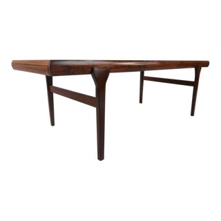 Scandinavian Modern Rosewood Coffee Table by Johannes Andersen For Sale