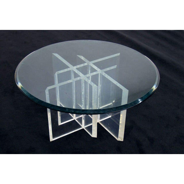 Lucite Base Glass Top Round Mid Century Modern Coffee Table For Sale In New York - Image 6 of 6
