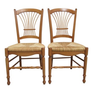Pair of Hickory Chair Company Fan Back Windsor Side Chairs A For Sale