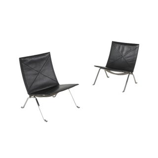 Black Leather Pk 22 Pair of Lounge Chairs Fritz Hansen For Sale