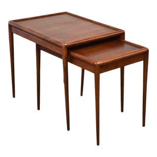 1950s Robsjohn Gibbings for Widdicomb Walnut Nesting End Tables - a Pair For Sale