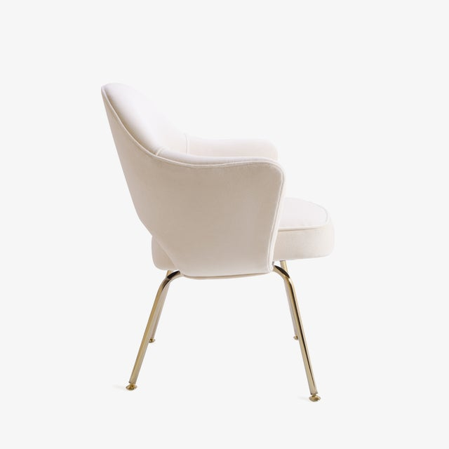 Knoll Saarinen Executive Arm Chairs in Crème Velvet, 24k Gold Edition - Set of 6 For Sale - Image 4 of 11