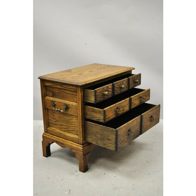 Vintage English Colonial Miniature Oak Wood Small Campaign Chest Side Table For Sale In Philadelphia - Image 6 of 10