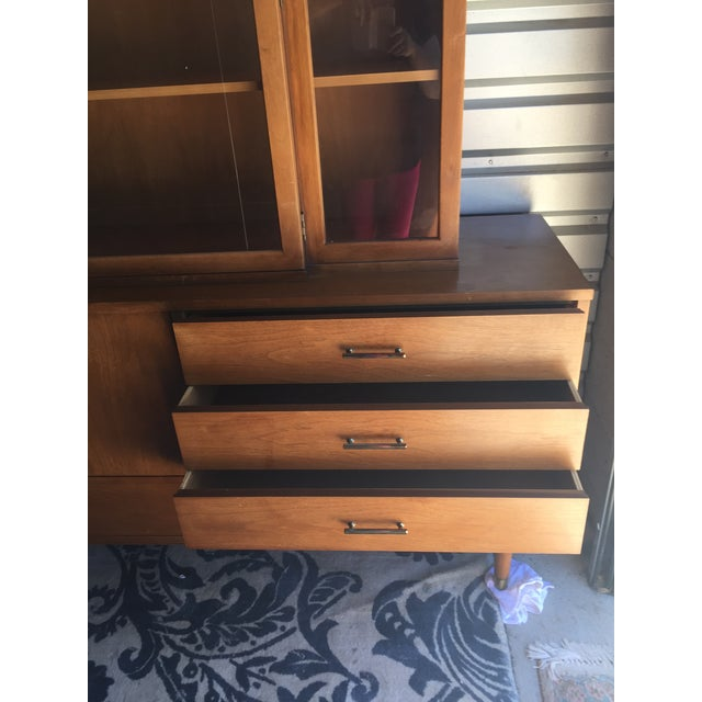 """Drexel """"Biscayne"""" Mid-Century Style Walnut 2-Piece China Cabinet For Sale - Image 10 of 13"""
