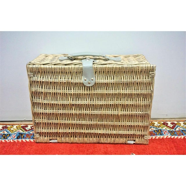 Wicker Picnic Basket With Flatware, Plates & Wine Glasses - Set of 21 For Sale - Image 4 of 8