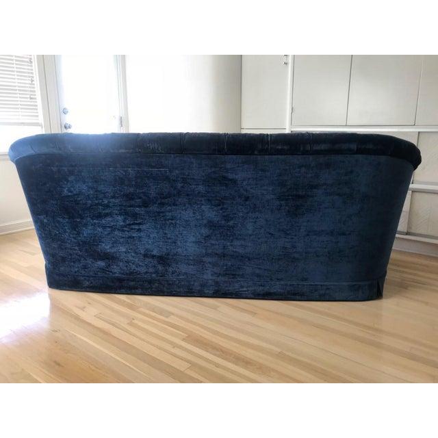 Hollywood Regency Maison 24 Shabby Chic Royal Blue Velvet Chesterfield Sofa For Sale - Image 3 of 5