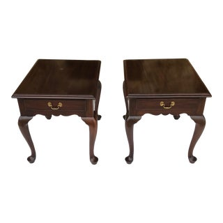 1960s Queen Anne Henkel Harris Mahogany Nightstands/End Tables - a Pair For Sale