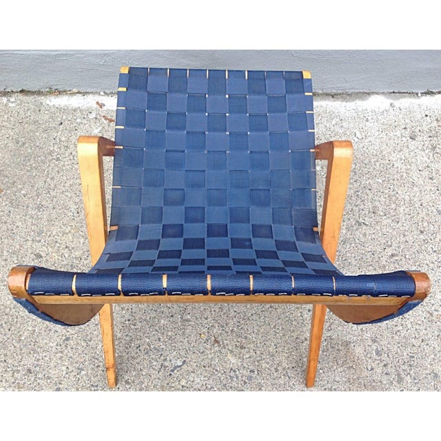 1940s 1940s Mid-Century Modern Jens Risom Style Navy Blue Webbed Scoop Birch Lounge Chair For Sale - Image 5 of 8