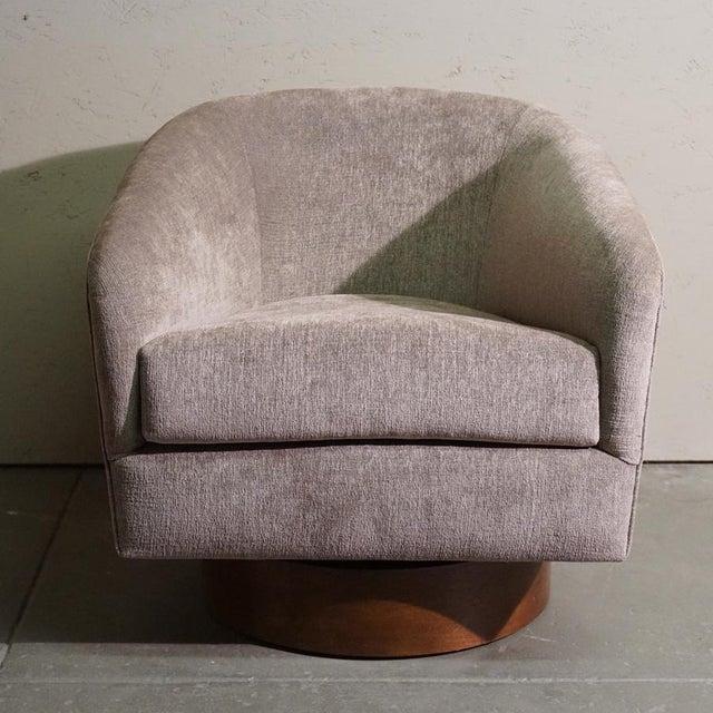 Milo Baughman Swivel Tub Chair - Image 2 of 7
