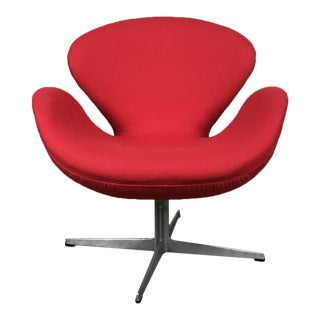 Reupholstered Original Fritz Hansen Swan Chair by Arne Jacobsen