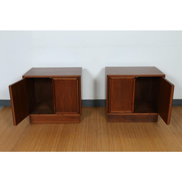 Brown & Saltman for John Keal Nightstands - A Pair For Sale In Los Angeles - Image 6 of 11