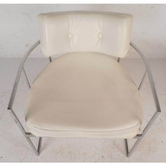 Set of Mid-Century Modern Dining Chairs in the Style of Milo Baughman For Sale - Image 10 of 11