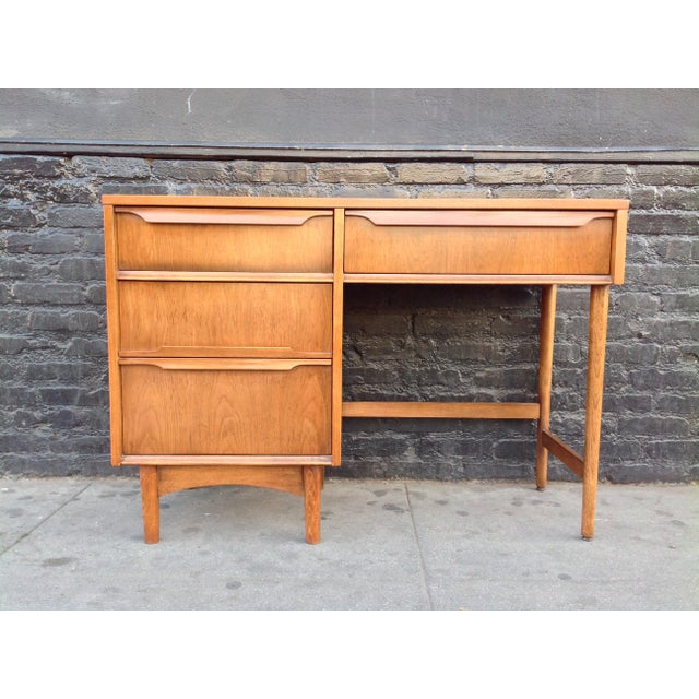 Mid-Century Modern Kroehler Mid-Century Modern Desk For Sale - Image 3 of 7