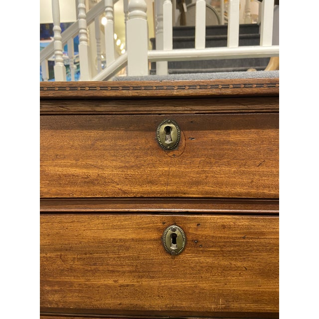 19th Century Hepplewhite Mahogany Chest of Drawers For Sale In Boston - Image 6 of 13