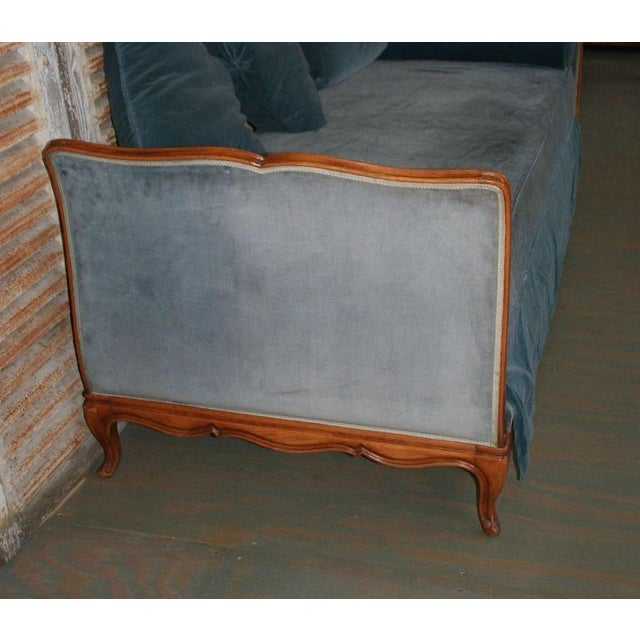 French Louis XV Style Daybed - Image 4 of 9