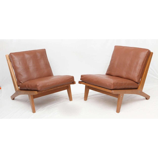 Pair of Hans Wegner GE-375 lounges chairs produced by Getama. Store formerly known as ARTFUL DODGER INC