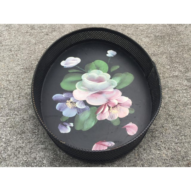 Metal Small Hand-Painted Tole Tray Mesh Sides Floral For Sale - Image 7 of 10