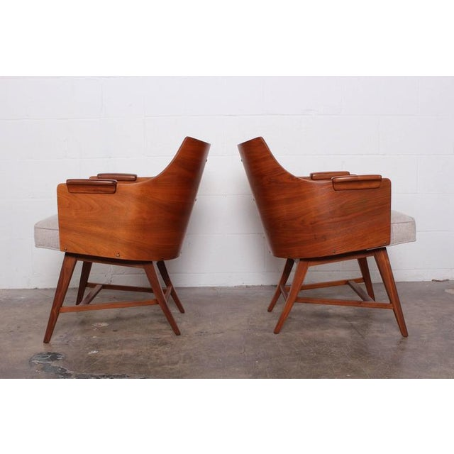 Rare Pair of Lounge Chairs by Edward Wormley for Dunbar For Sale In Dallas - Image 6 of 10