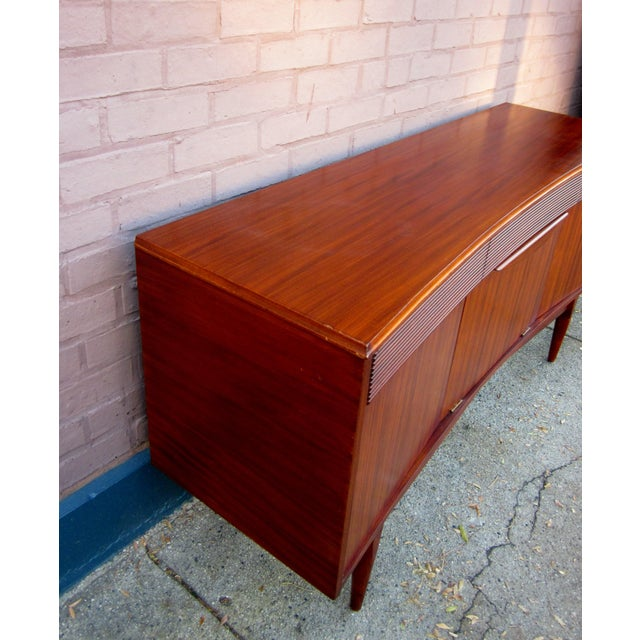 Danish Modern Vintage Danish Modern Rosewood Credenza For Sale - Image 3 of 13