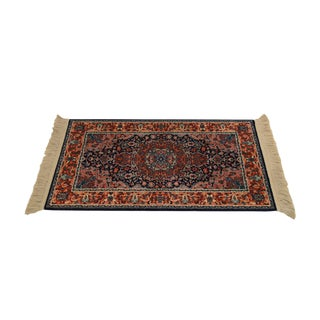 "Karastan Kashan Medallion 2'10"" X 5' Throw Rug #741 For Sale"