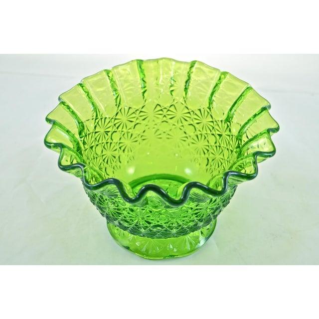 Art Nouveau Bright Green Ruffle Rim Bowl For Sale - Image 3 of 3
