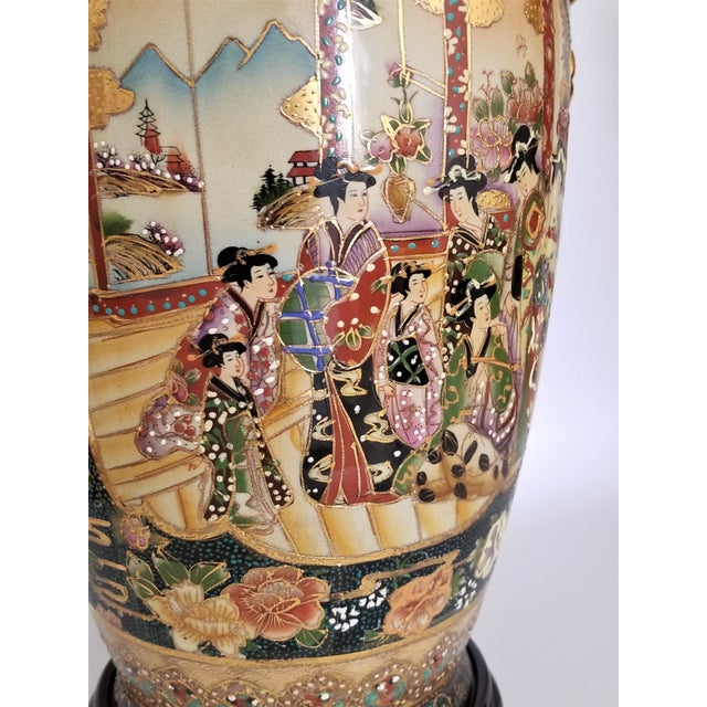 Vintage Contemporary Chinese Export Ceramic Porcelain Lamps - a Pair For Sale - Image 9 of 13