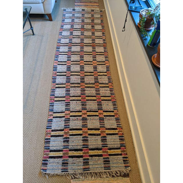 "Handwoven Reversible Vintage Swedish Rug by Scandinavian Made 124"" x 33"" For Sale In New York - Image 6 of 12"