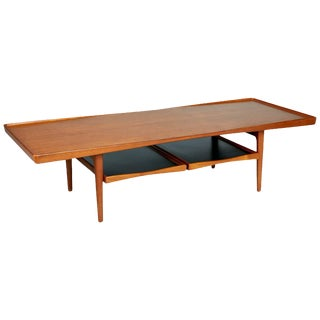 Danish Modern Coffee Table With Removable Trays by Poul Jensen for Selig For Sale