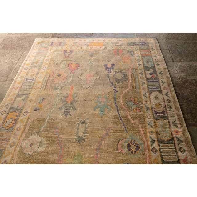 'Sezen' Modern Heirloom Turkish Oushak - 5′8″ × 7′7″ For Sale - Image 4 of 10