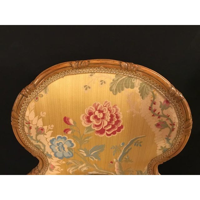 Louis XV Style 2 Tone Gold Leaf Boudoir Chair For Sale In New York - Image 6 of 9