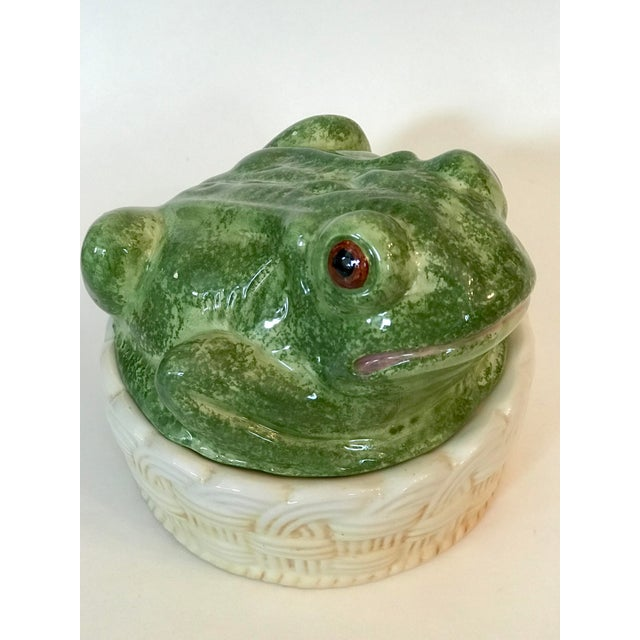 Cottage Vintage Mid-Century Italian Ceramic Majolica Frog Lidded Box For Sale - Image 3 of 12