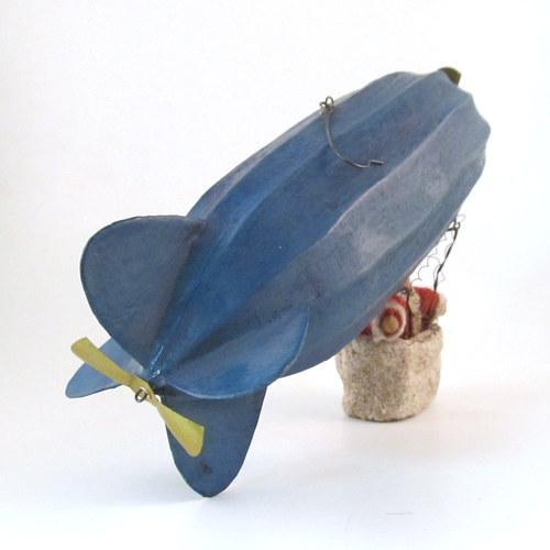 Antique German Santa in Basket on Zeppelin Christmas Ornament For Sale - Image 5 of 11