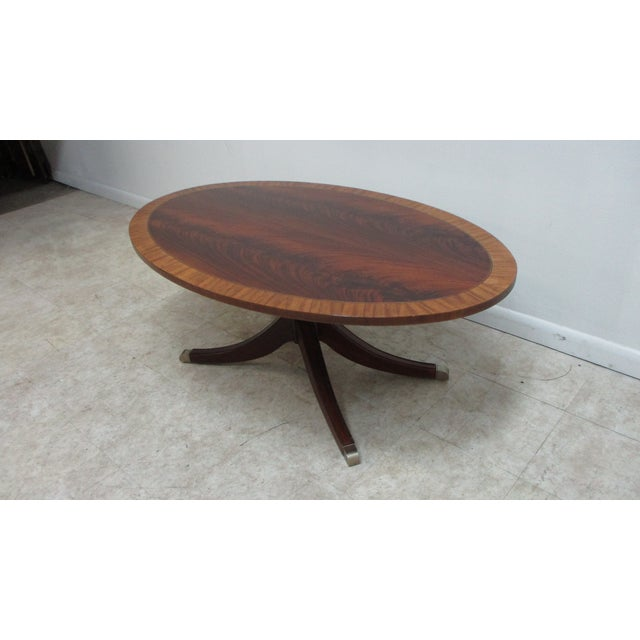 English Ethan Allen Flame 18th Mahogany Oval Coffee Table Newport For Sale - Image 3 of 13